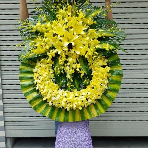 kệ hoa tang màu vàng đẹp